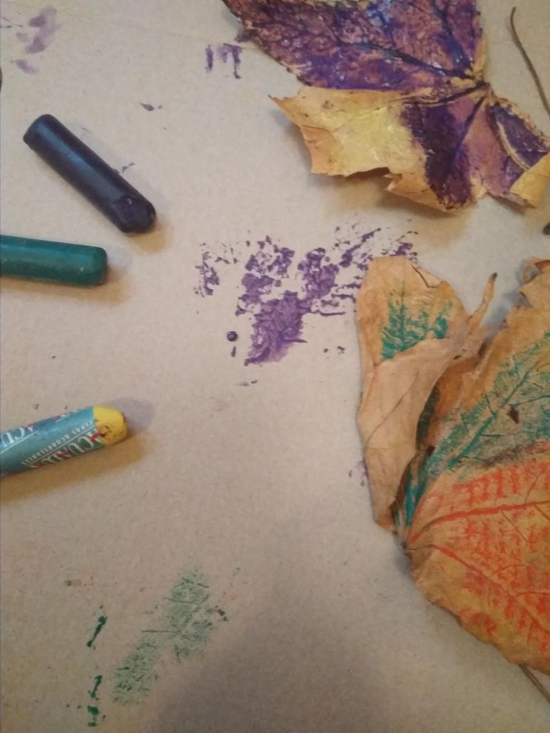 pintar hojas con ceras